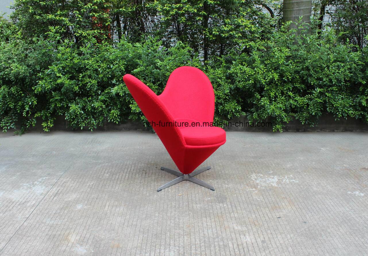 Modern Heart Shape Fabric Leisure Chair for Living Room