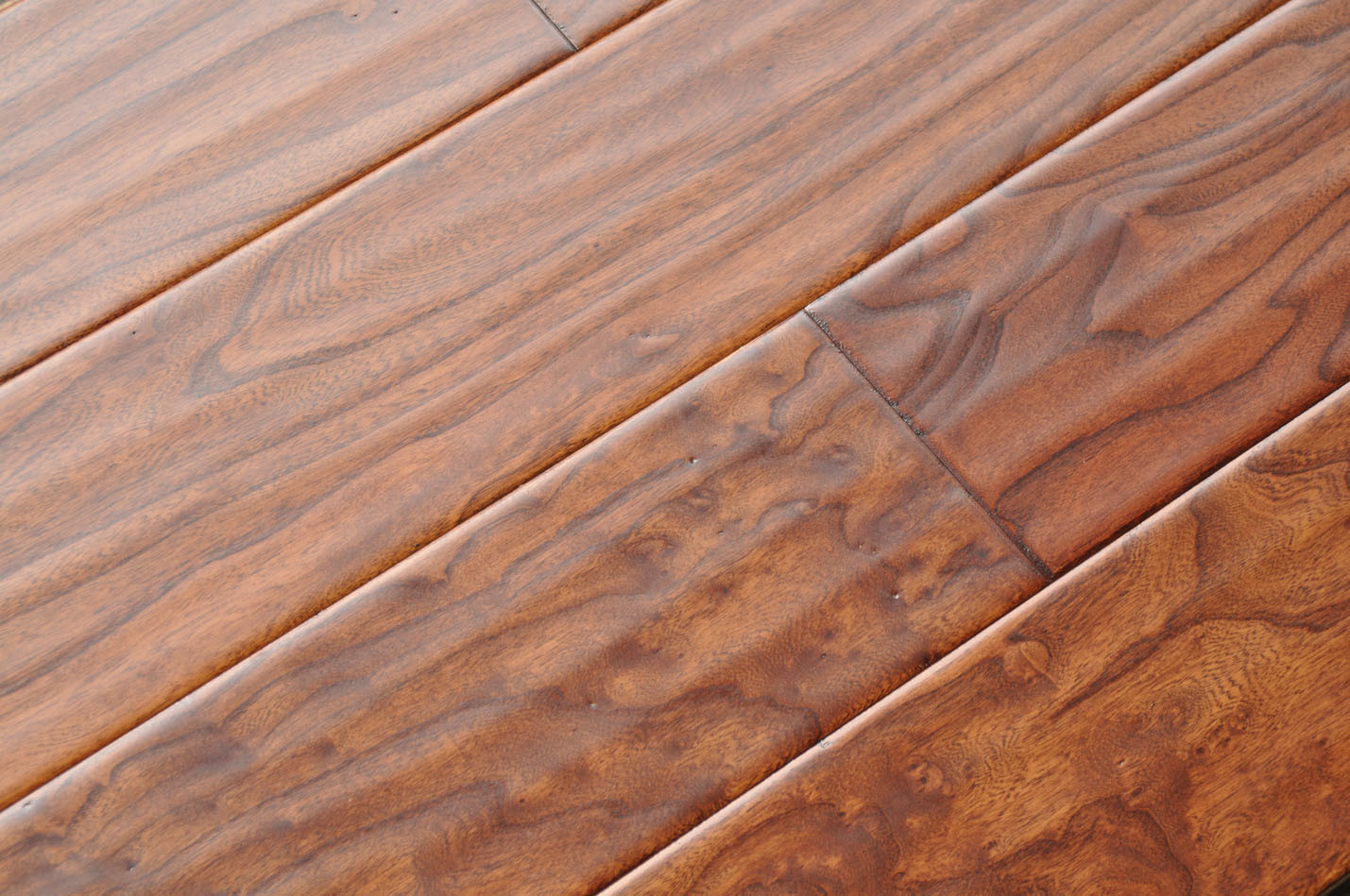 China reclaimed elm uv lacquer stained engineered hand for Hand scraped wood floors