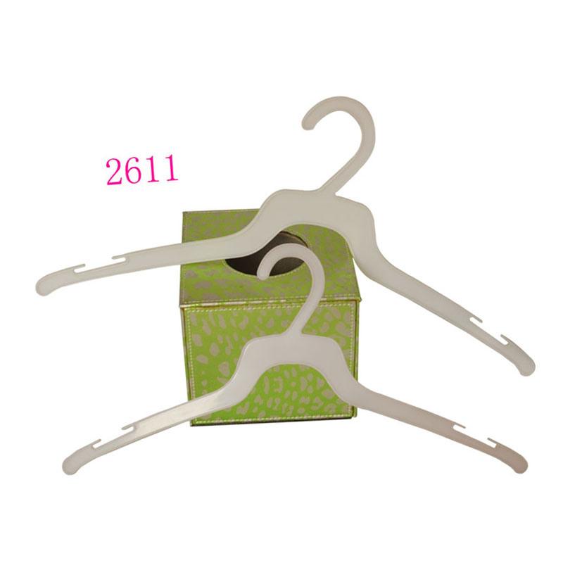 Cheap Plastic White Durable Shirt Hanger