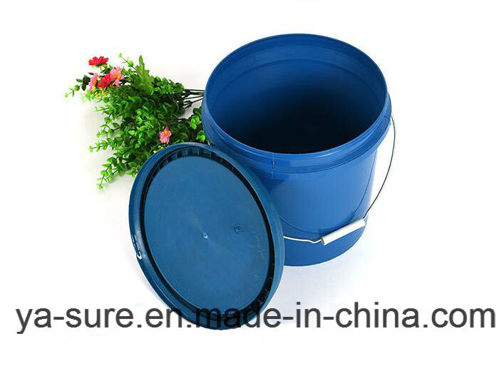 8L Round Plastic Bucket with Metal Handle