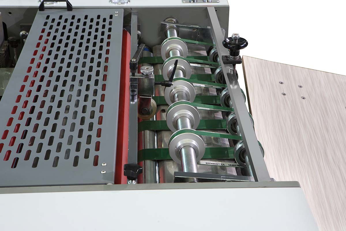 Semi-Auto Pneumatic Laminating Machine for Printing