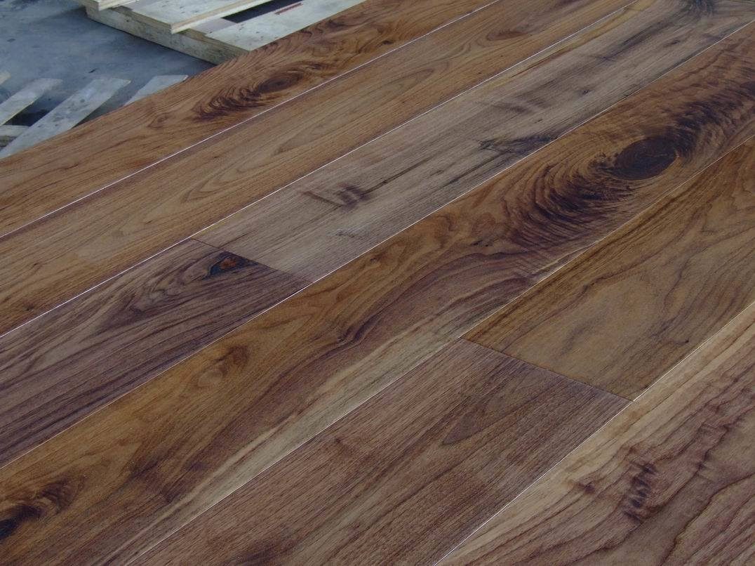 Top 28 walnut floor natural american walnut duchateau for Walnut hardwood flooring