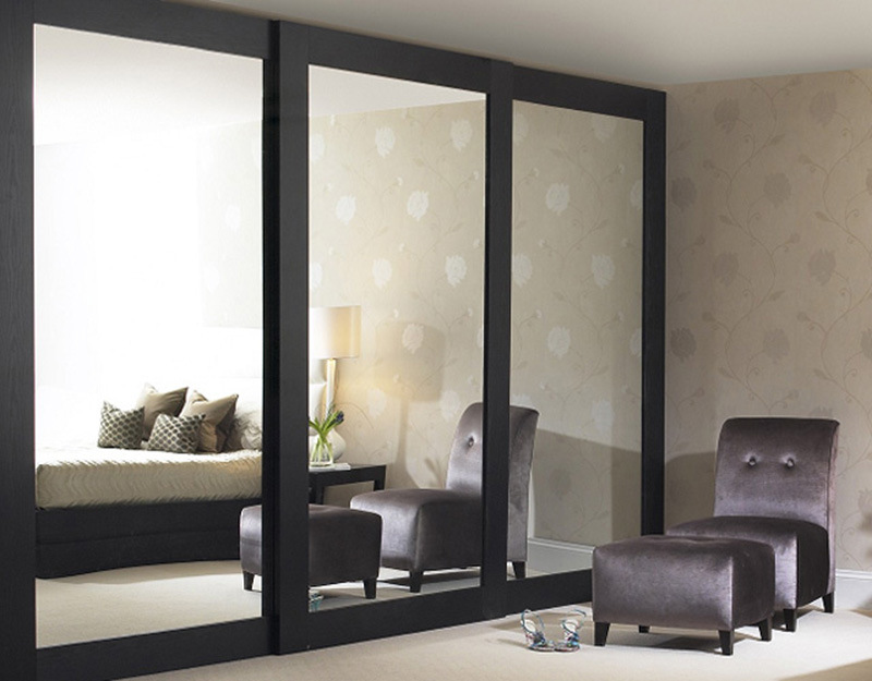 Hot Sale High Glossy Sliding Door Wardrobe