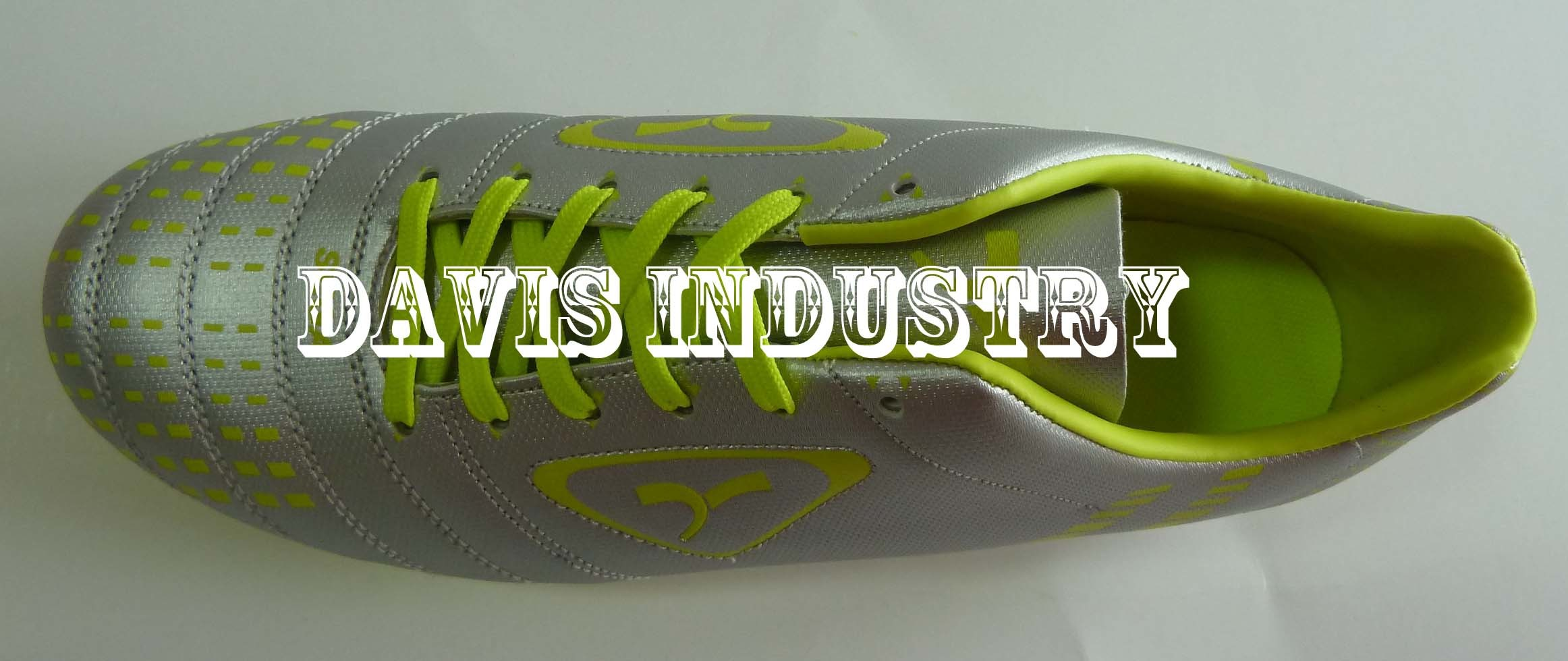 Small MOQ Factory Offered Hot Selling New Design Style Soccer Cleats Boots Football Turf Sports Shoes with High Quality and Good Price