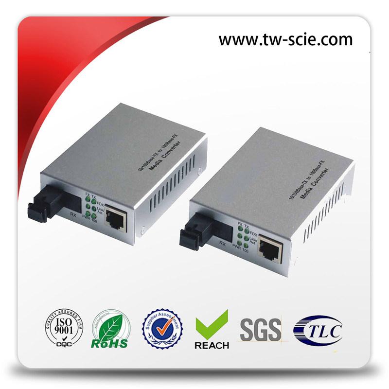 10 / 100m 1310nm Sm Fiber Ethernet Media Converter with Black Silver 60km Sc External Power
