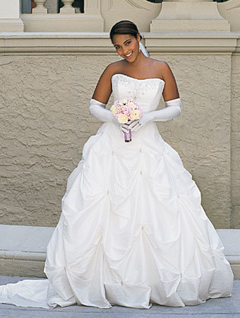 wedding dresses pictures 2010. wedding dresses 2010.