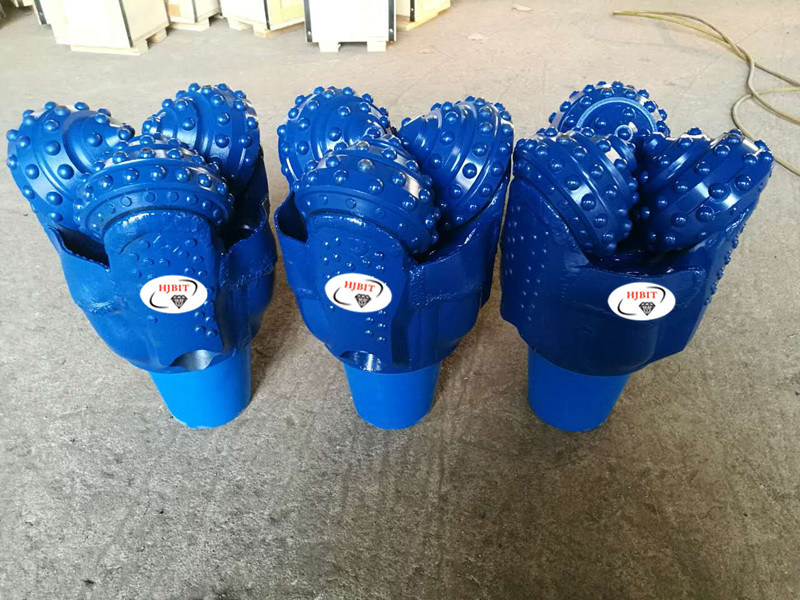 """8 1/2"""" Oil Drilling Tricone Button Bits Drilling Rig Diamond Cutting Tools"""