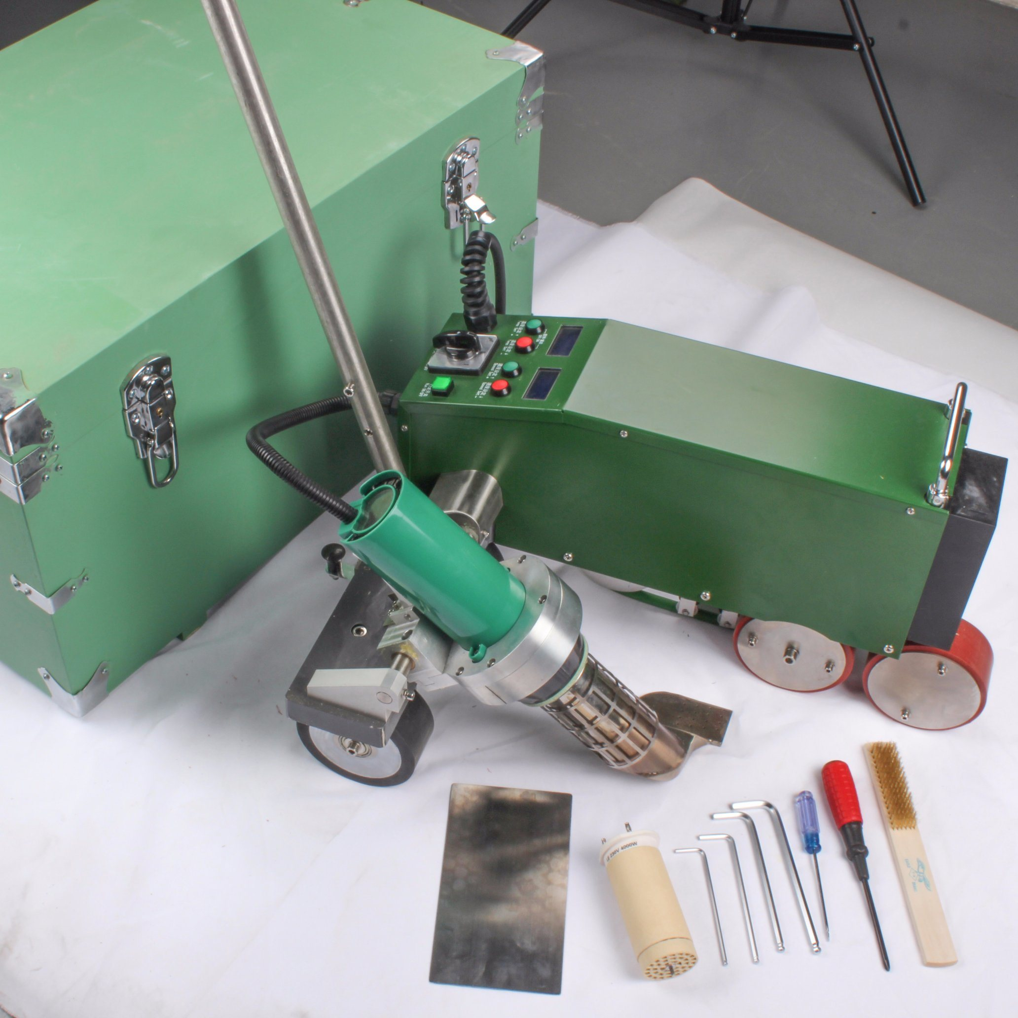 4200W Plastic Hot Air Automatic Welder for Roof and Banner
