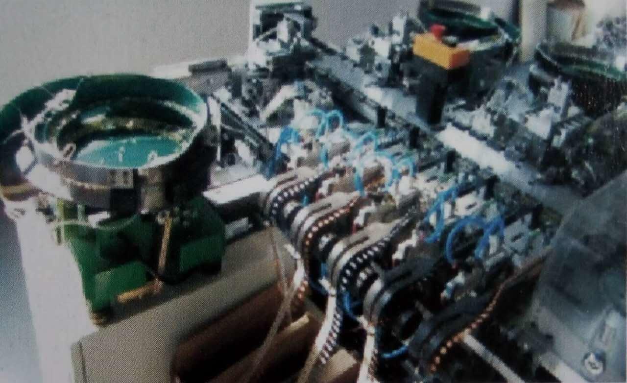 Automatic Bulk LED Insertion Machine Xzg-3300EL-01-03 China Manufacturer