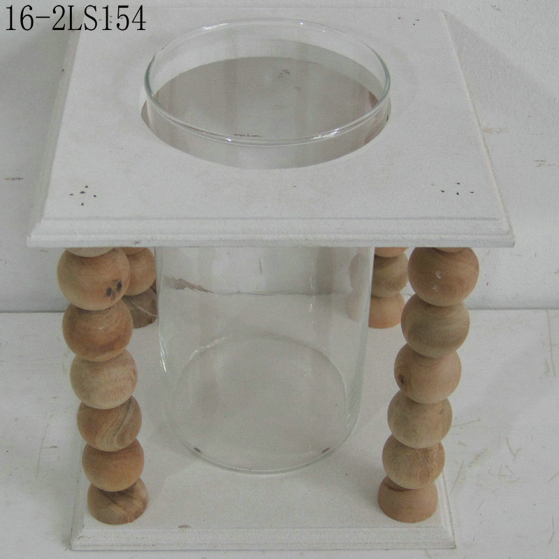 Double Layers with Diversify Shapes of Wooden Candlesticks