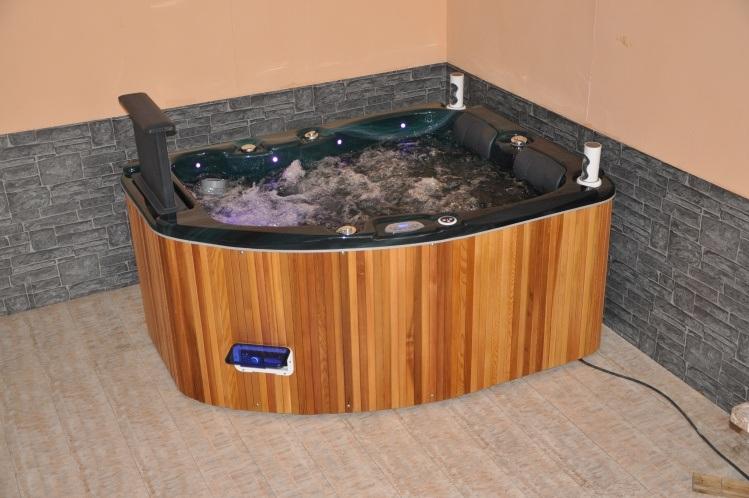 China 2 3 person bathtub small bathtub mini indoor for Indoor bathroom hot tubs