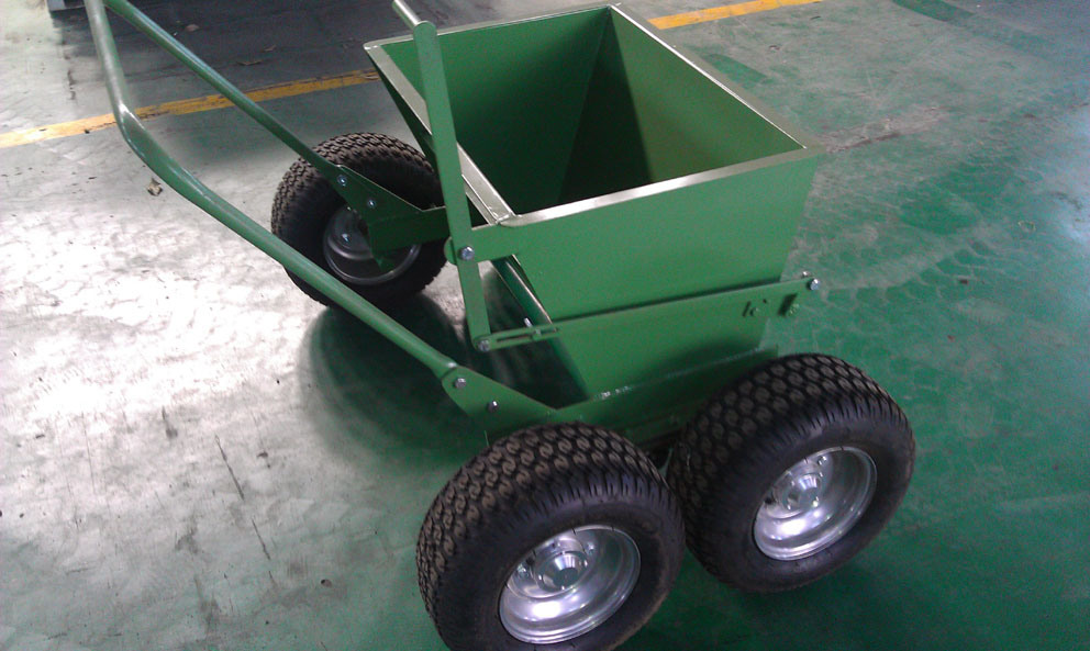 Manual Sand Spreader for Artificial Grass