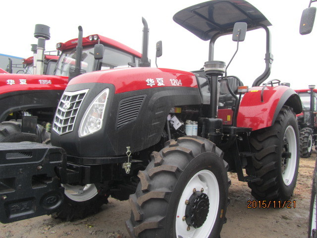 120HP 4WD Foton Farm Tractor Ce Approved with AC Cabin