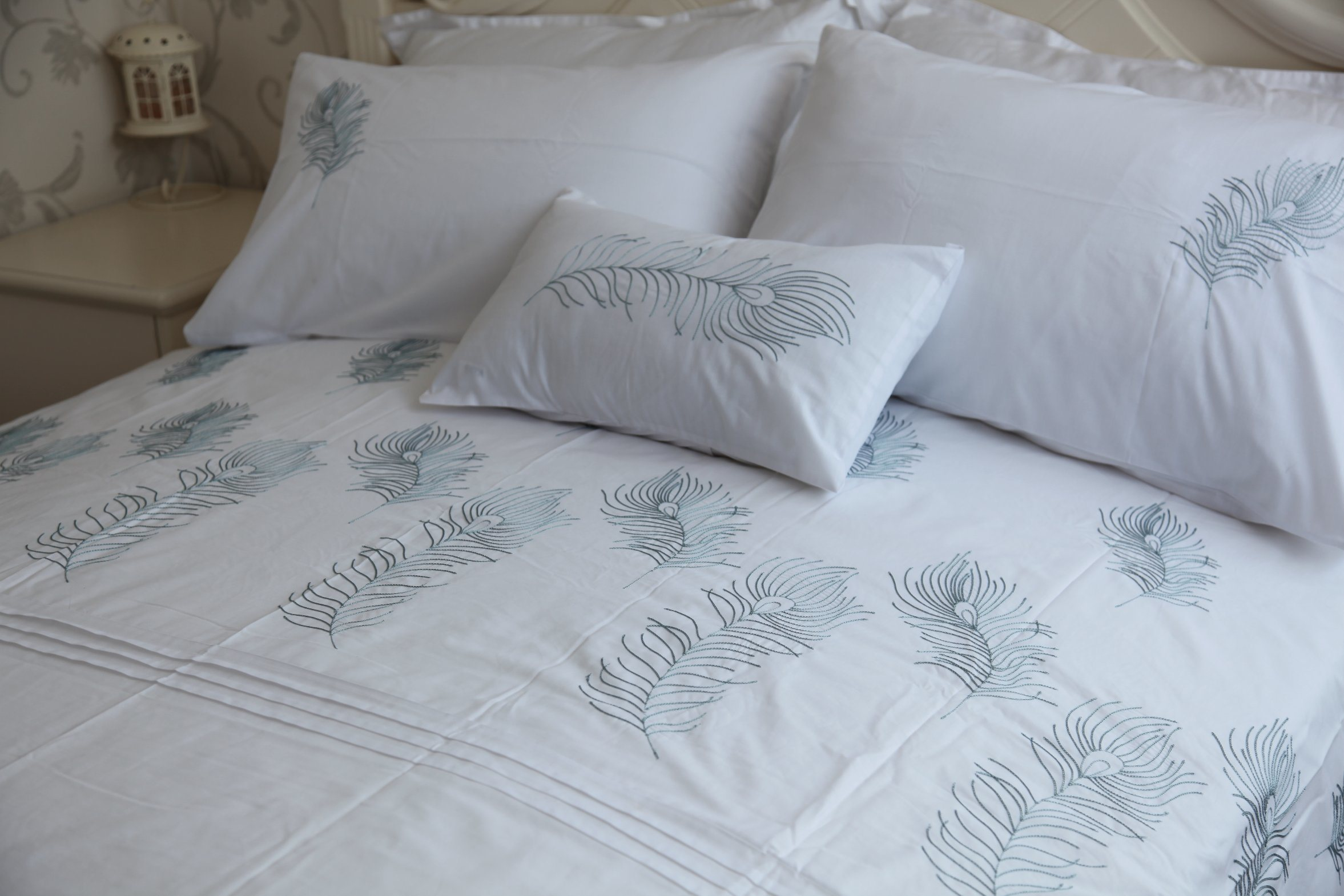 MID-Level Leaf Embrodiery Polycotton Bedding Set