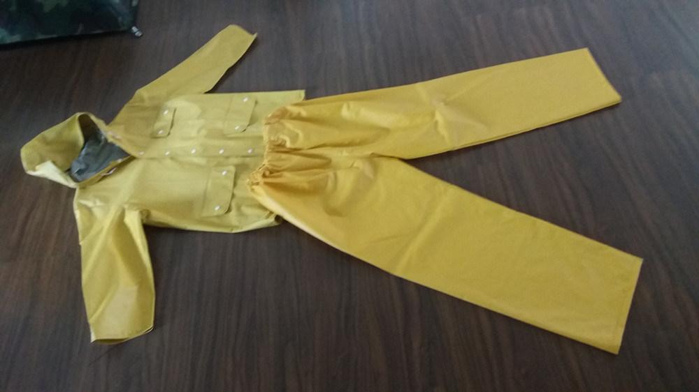 Fashion Design Waterproof Hooded PVC Poncho Raincoat