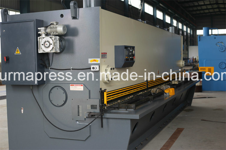 QC11y Series for 2.5 Meters 3.2 Meters 4 Meters China CNC Hydraulic Guillotine Shearing Machine