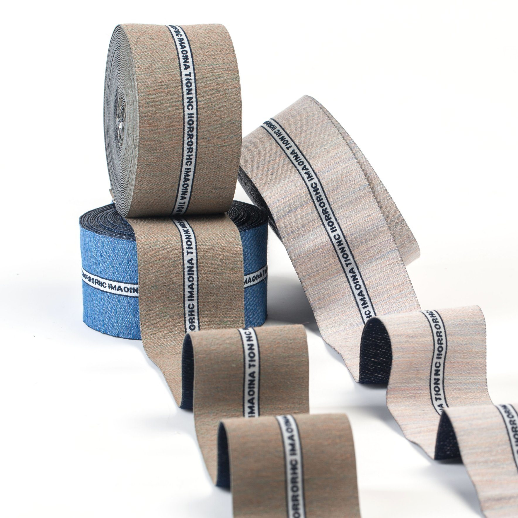 The Three-Colors English Pattern Polyester Woven Labels
