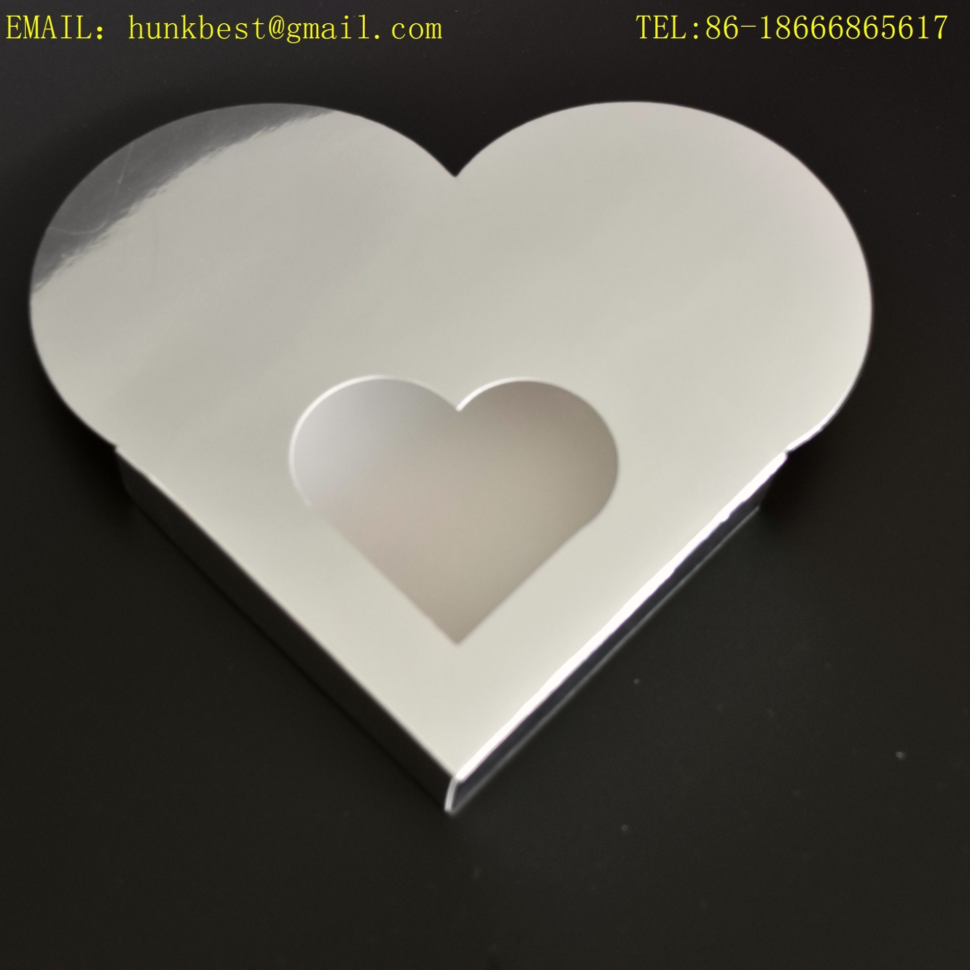 Luxury Fancy Silver Foil Cardboard Heart Shaped Wedding Packing Gift Box Chocolate Box with Clear PVC Window Can Be Folding