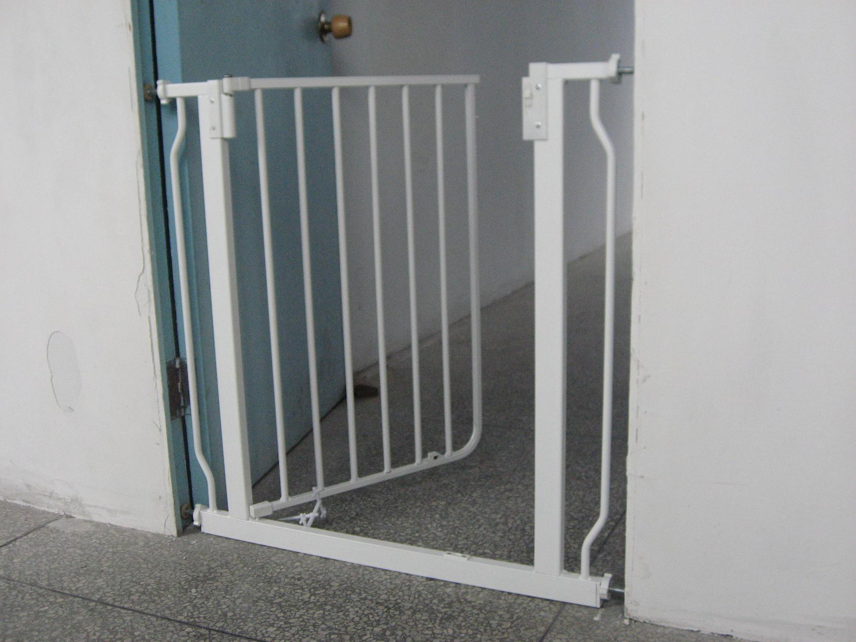 Baby Safety Gate (HDL-027) - China Baby Safety Gate, Baby Product