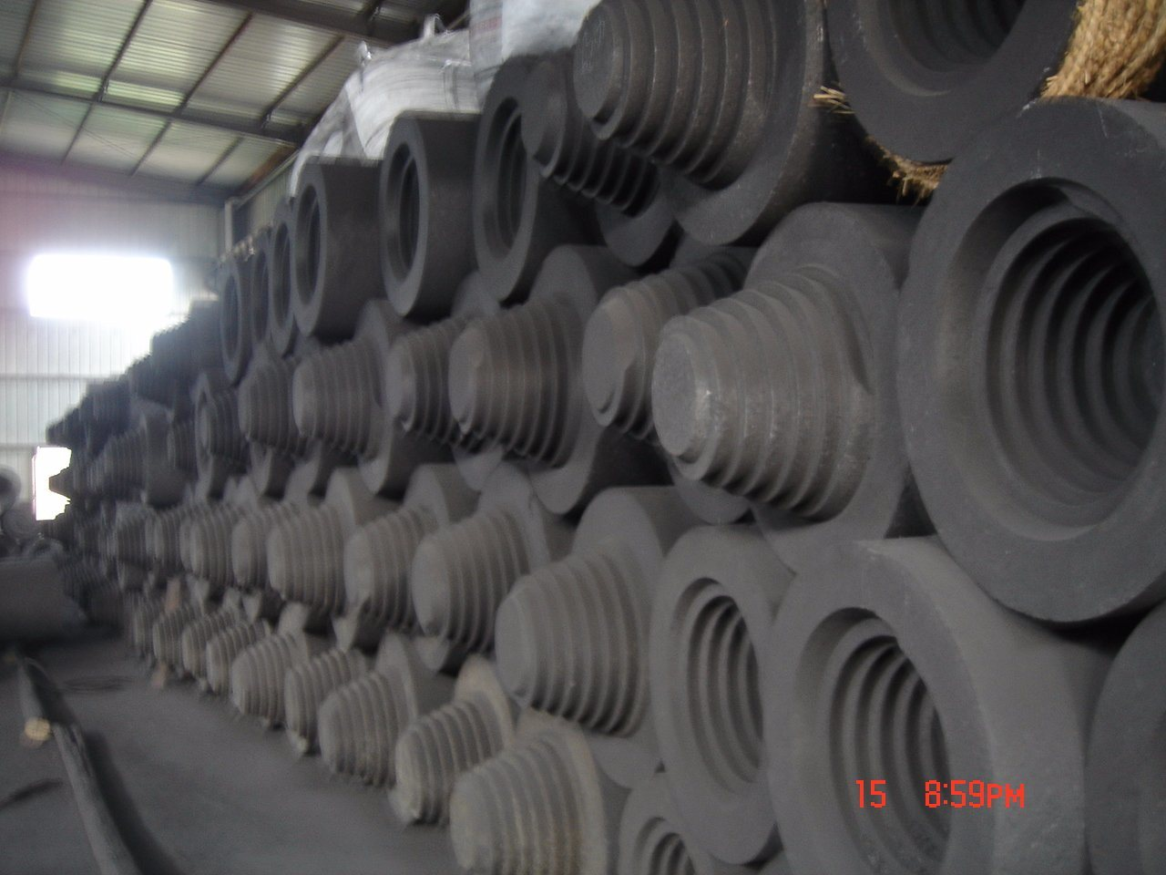 Large Size Graphite Electrode for Silicon Metal Making