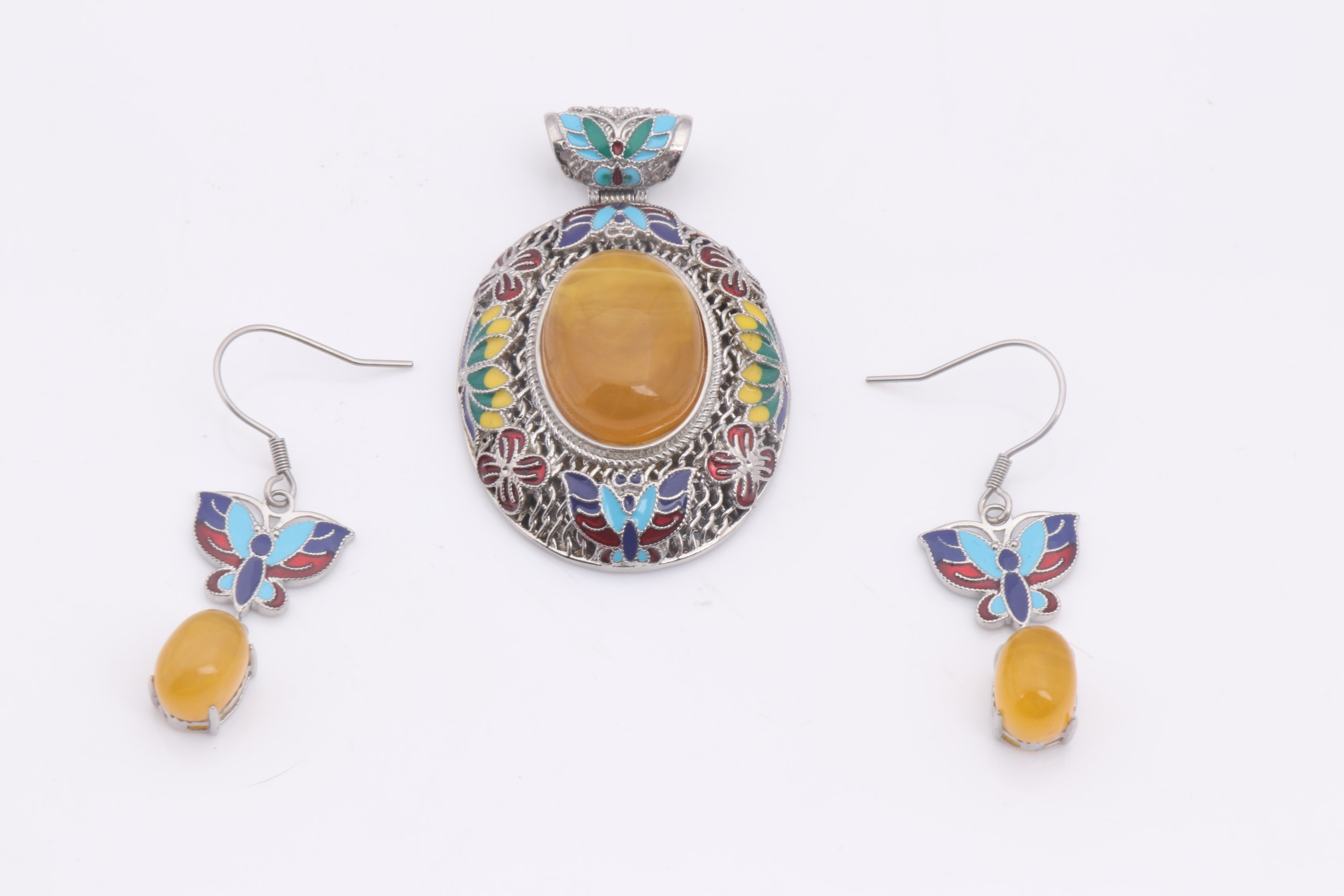 Vintage Style Hollow Crystal Flower Shaped Pendant Retro Stone Necklace