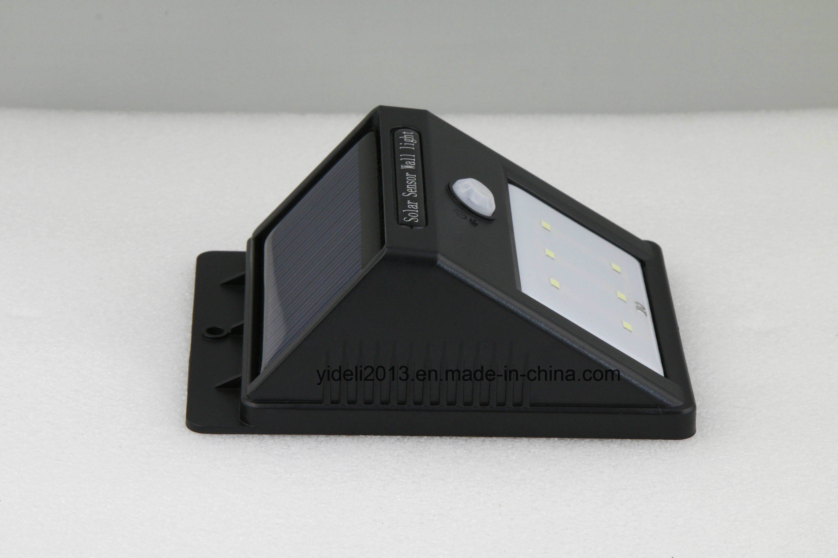 Good Price Solar Panel Weatherproof 6 LED Triangle Wall Light