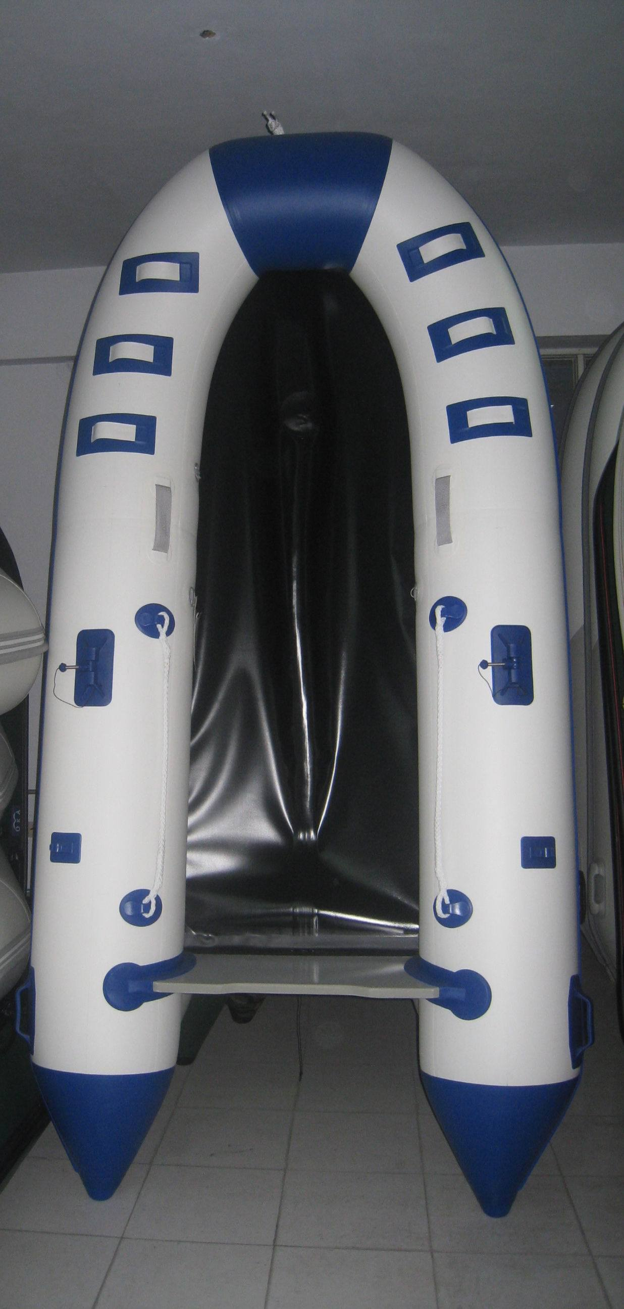 6 Persons Ce Customized Color Inflatable Boat with Motor