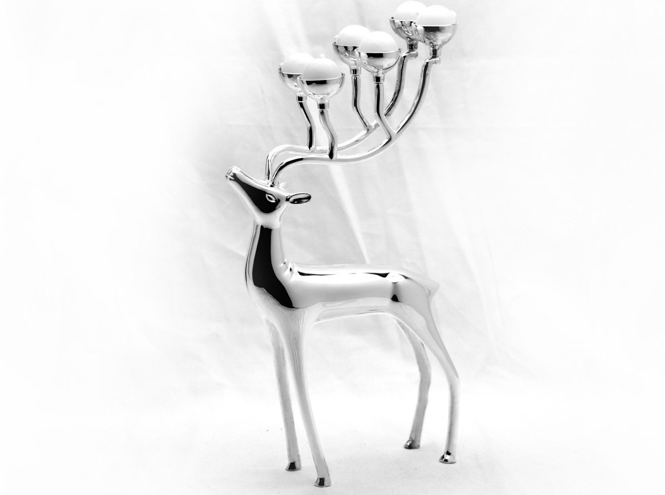 Silver Plated Zinc Alloy Candle Holder with Deer Design