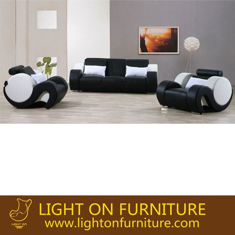 Living Room Leather Sofa with Armrest (L052)