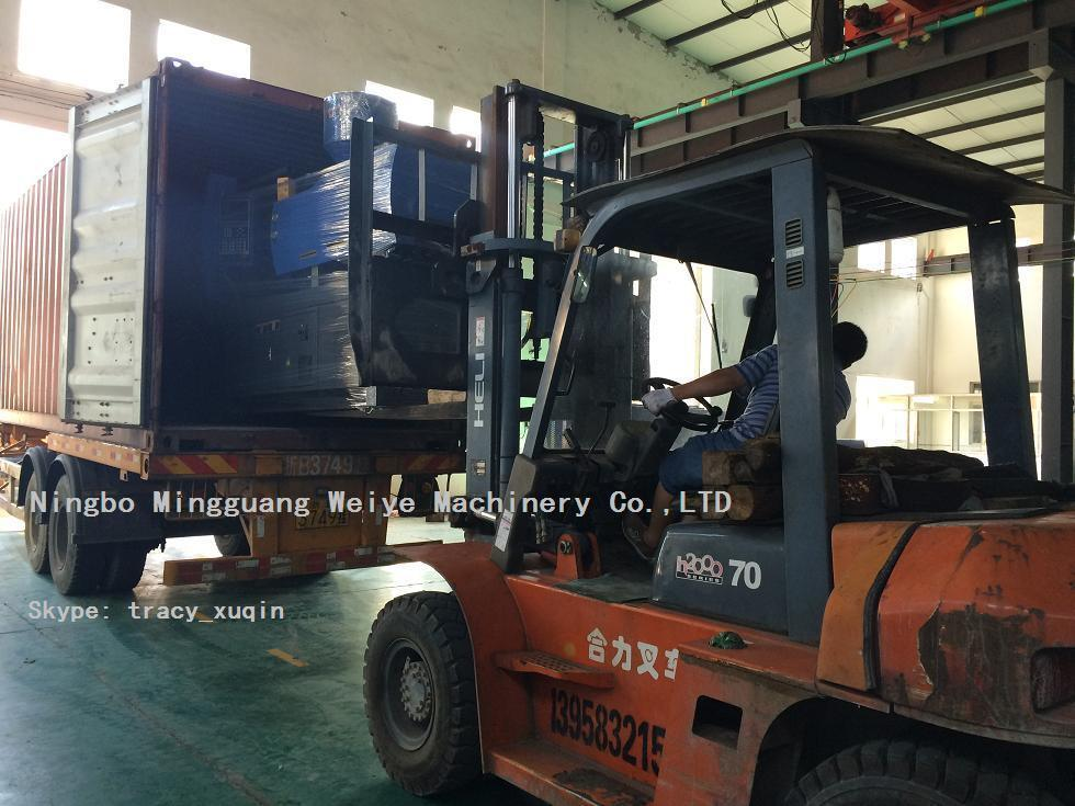 High Quality Ce Certificated Injection Molding Machine with Servo Energy Saving Model Xy1400