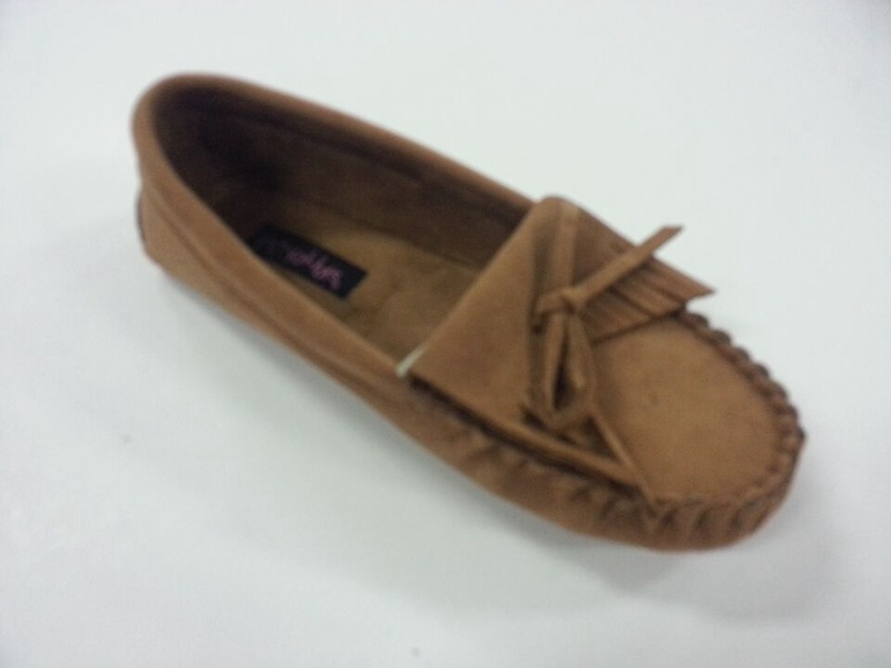 Woman′s Warm Moccasin Shoes with Tied in a Bow