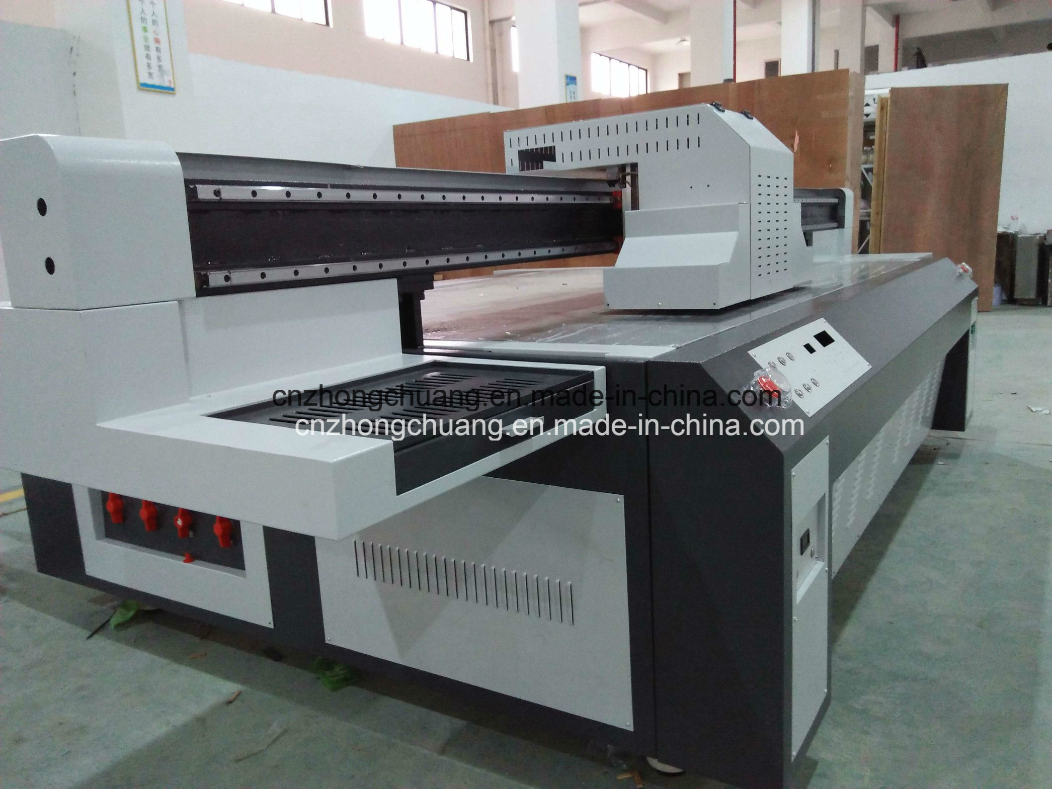 UV Flatbed Printer for Printing LED Lamp Cover Plastic Printer