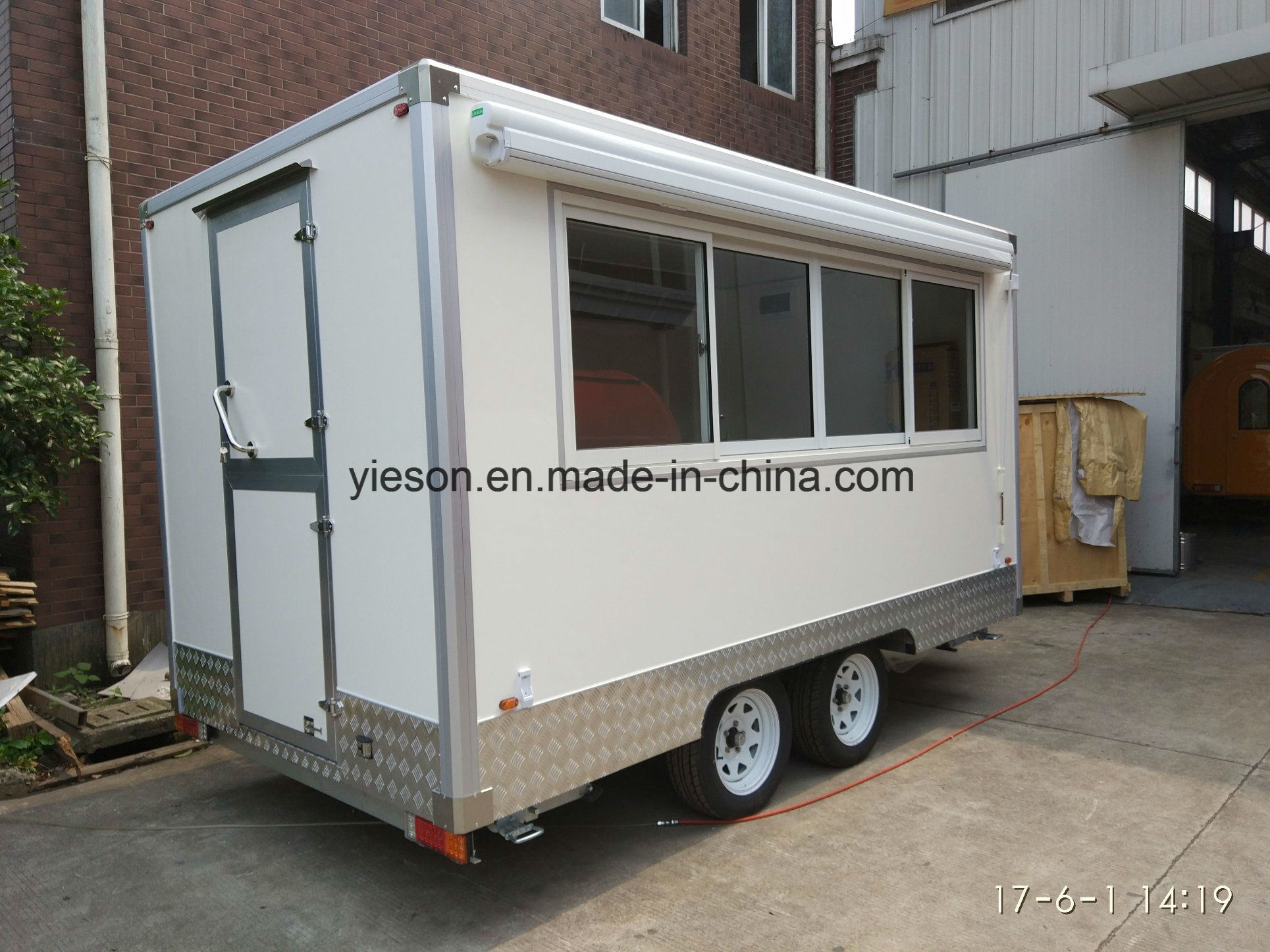 Yieson Made Mobile Food Van for Sale