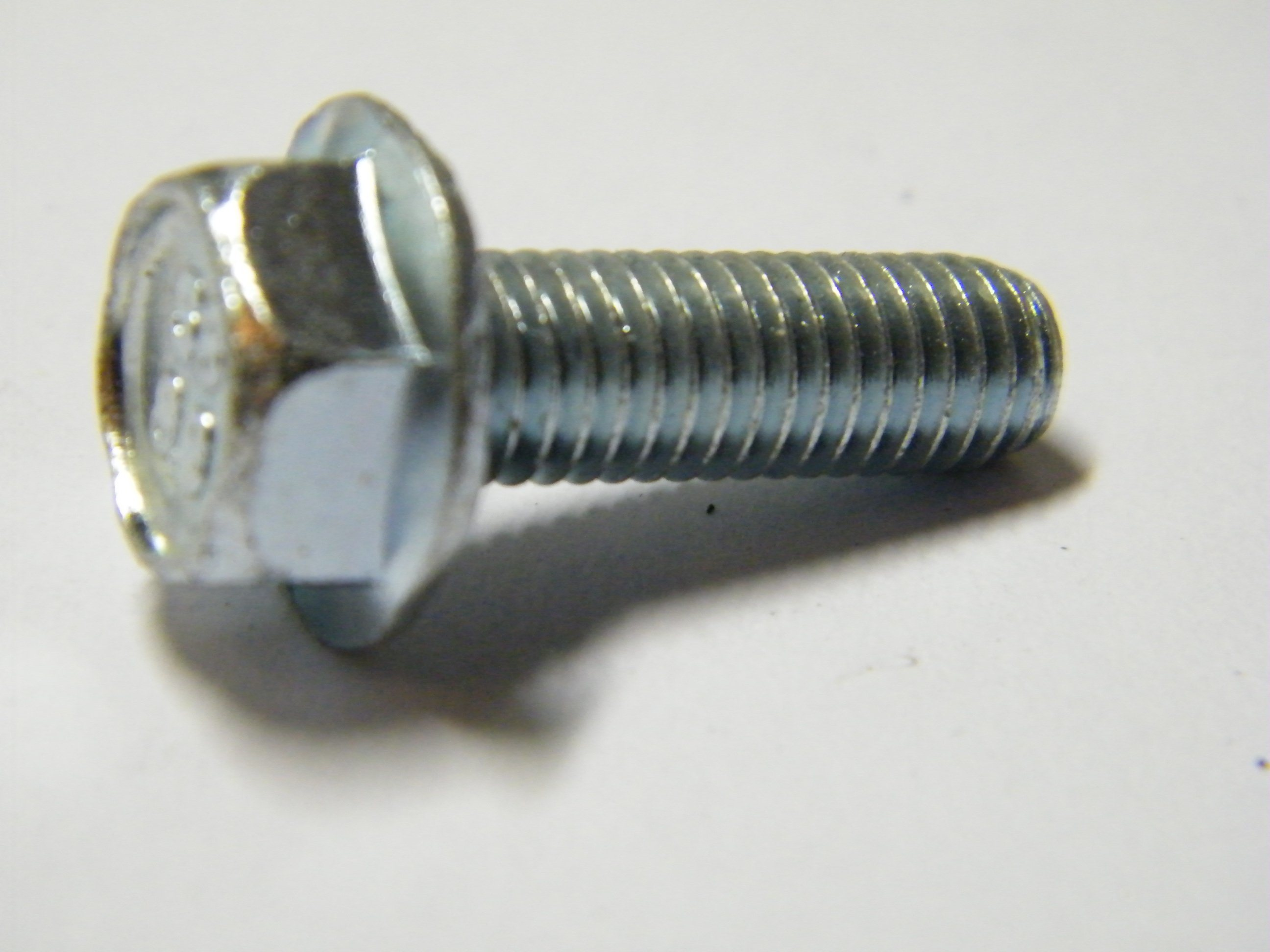 DIN6921 Carbon Steel 8.8 Yellow Zinc Plated Hex Flange Bolt