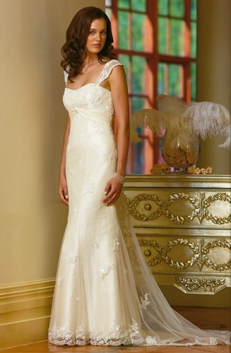 Elegant Lace Wedding Dress and Wedding Gown ELLABD009