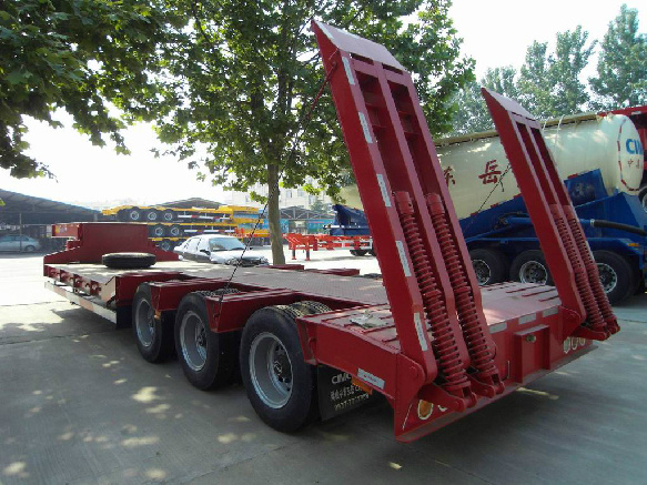 Gooseneck Low Bed Truck Semi-Trailer for Excavator Trasnsporting