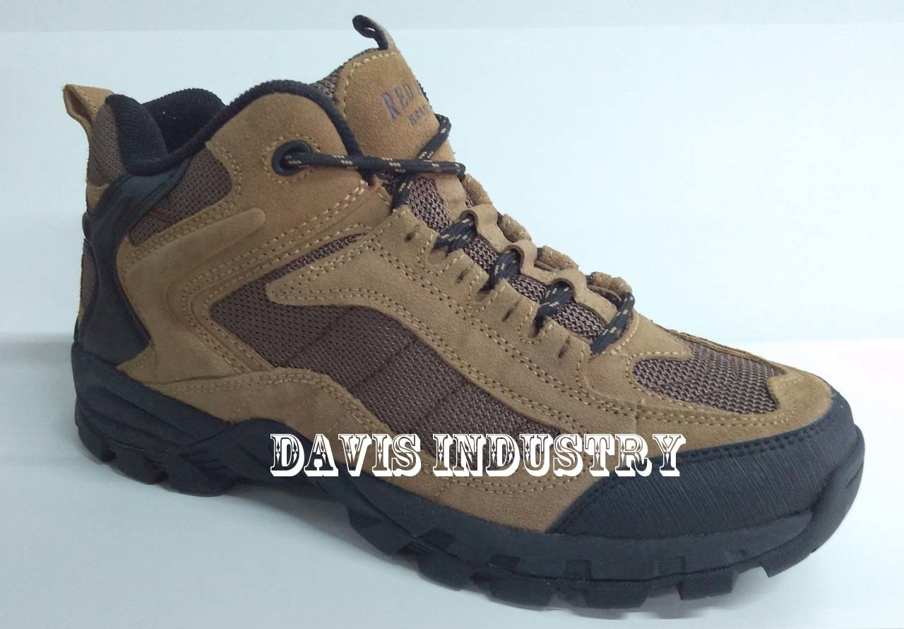 Factory Offered Top New Design Hiking Trekking Waterproof Shoes with High Quality