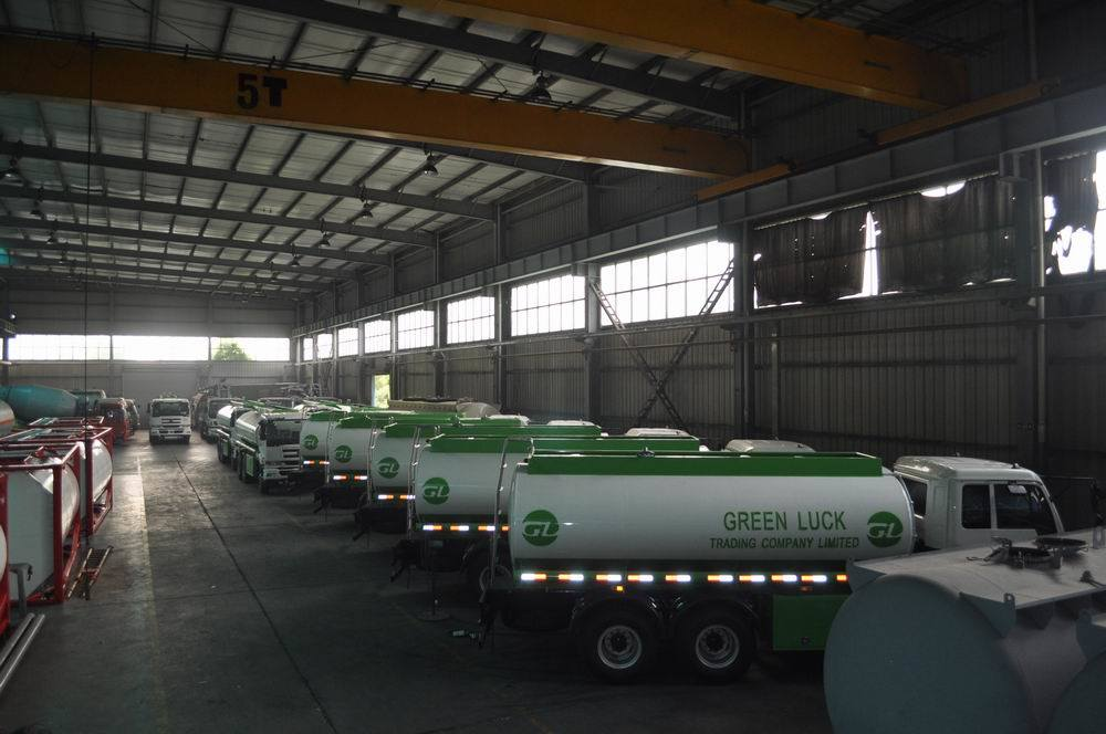 22500L Aluminum Alloy Fuel Tank Truck for Light Diesel Oil Delivery