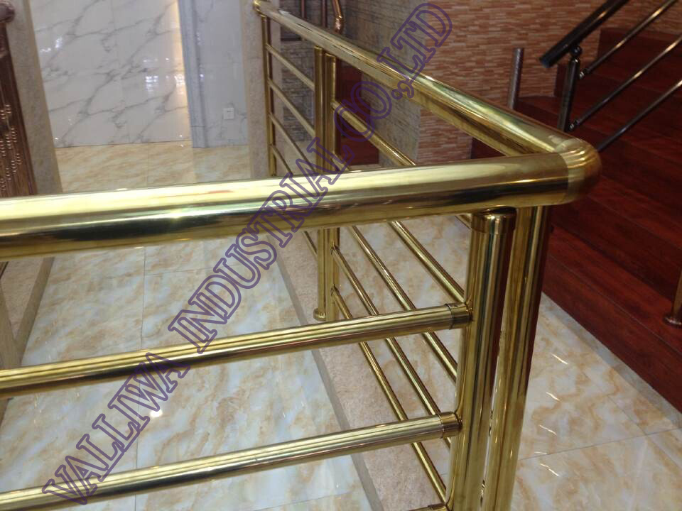 Stainless Steel Pipe with Gold Color