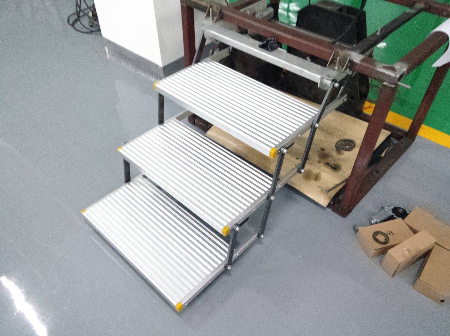 China Electric Triple Folding Step For Caravans Photos