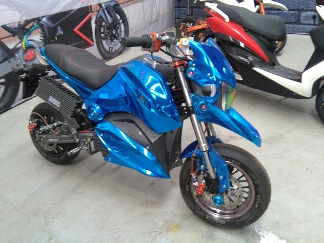 Fashion Electric Motorcycle Motorbike Scooter Ebikes 2000W (HD2000-M5)