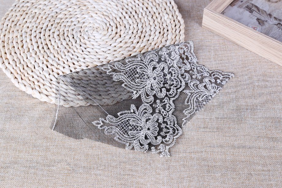 Popular Fashion for Girls Embroidery Lace/Nylon Lace