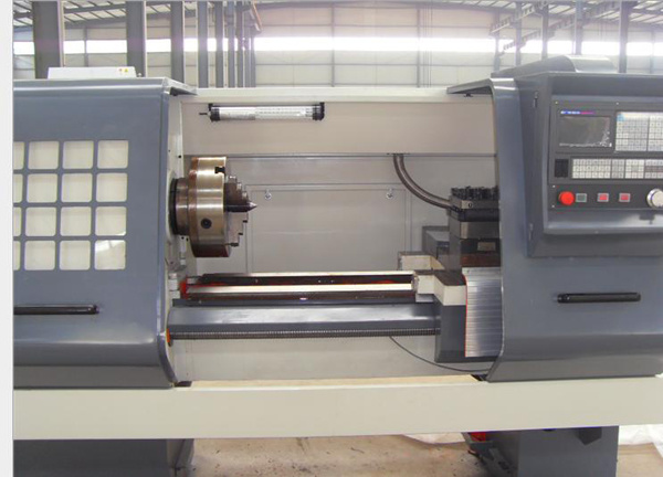 Heavy Duty CNC Pipe Threading Lathe Machine (QK1313)