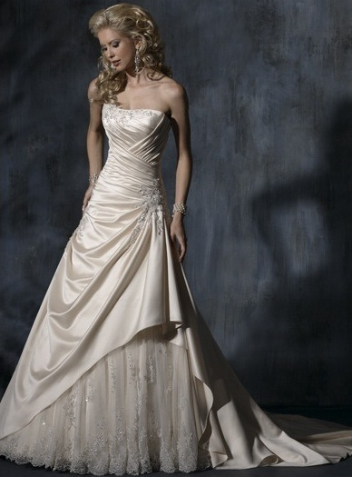 New Style Wedding Dress 2012 HS811