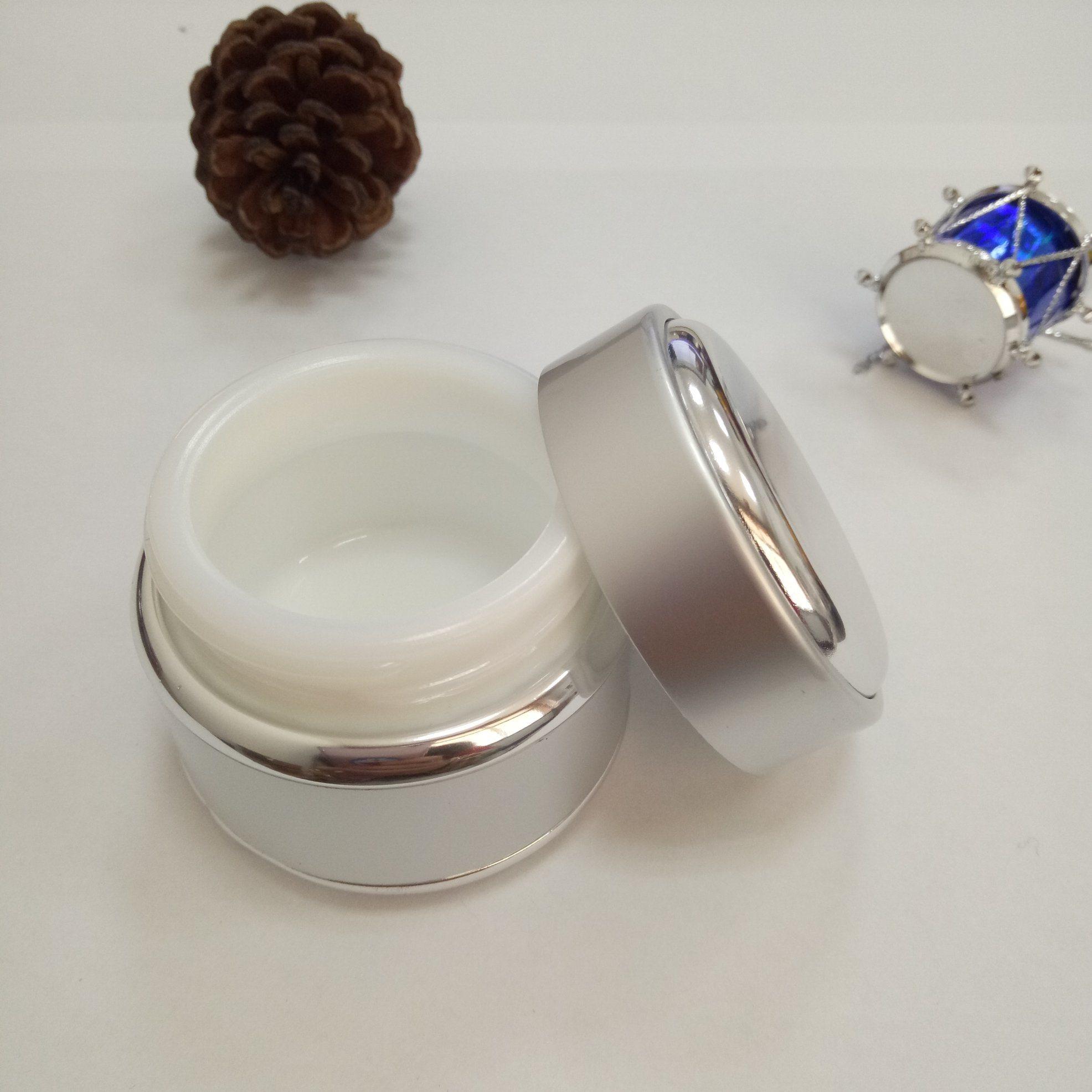 Round Aluminum Jar with Screw Cap