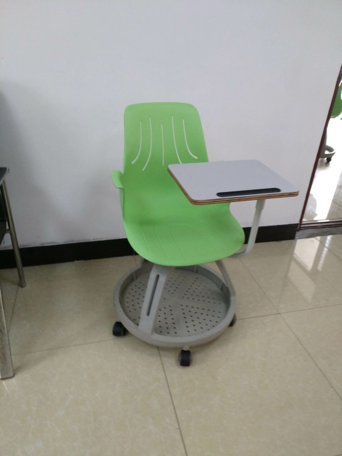 China All Kinds of School Desk and Chair Library Furniture