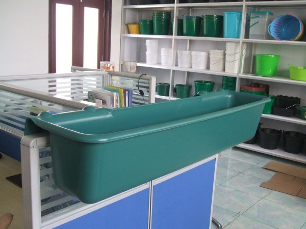 Plastic Hook-Over Horse Trough and Feeder (ZY-706-2)