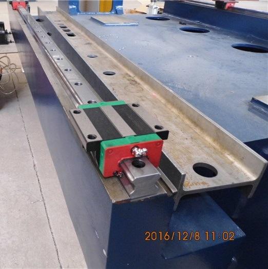 CNC Punch Press Machine/Punching Machine T30