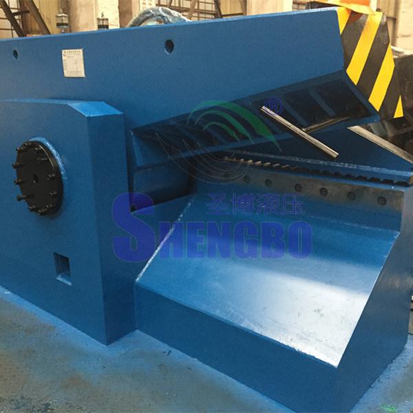 Hydraulic Scrap Metal Shear for Cutting Steel (factory)