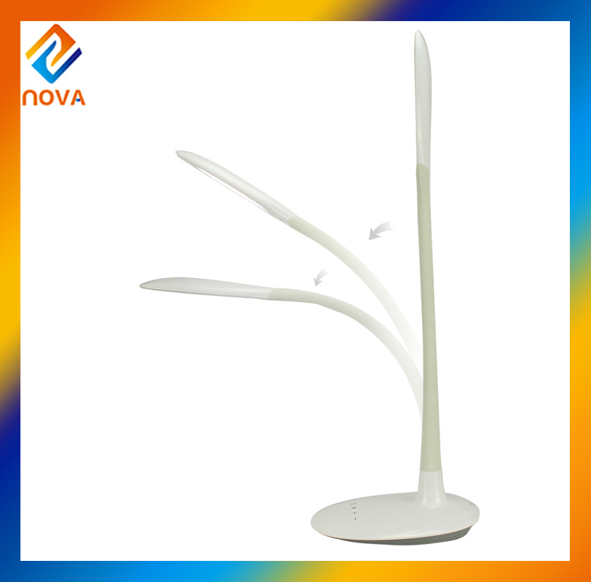 China Home Flexible Modern Rechargeable LED Table Lamp